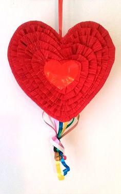 Piñata del Corazón Rojo - San Valentin - Bodas Christmas Ornaments, Holiday Decor, Home Decor, Mini Pinatas, Red Hearts, Bodas, Star, Slip On, Room Decor