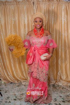 Igbo bride   : HB Pixels   www.loveweddingsng.com  #LoveweddingsNG African Wedding Attire, African Attire, African Fashion Dresses, African Wear, African Women, African Dress, Traditional Wedding Attire, African Traditional Wedding, Traditional Dresses