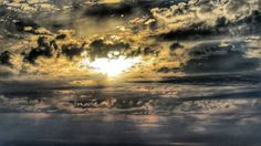 El sol escapando de las nubes