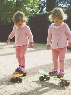 43 Adorable Cute Fall Outfits for Your Twins # Baby Girl Fall Outfits, Cute Fall Outfits, Kids Outfits, Pretty Little Girls, Little Ones, Cute Kids, Cute Babies, Spring Girl, Mixed Babies