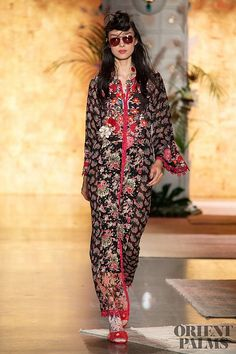 cdc52ce38 32 Best Women's Blouse | بلايز نسائية images | Blouse, Blouses, Shirts