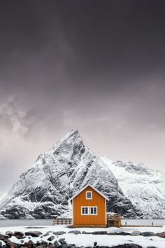 Iconic landmarks as you've never seen them before: The breathtaking entries to the Sony World Photography Awards - Mirror Online World Photography, Photography Awards, Landscape Photography, Travel Photography, Urban Photography, Photography Photos, Lofoten, Beautiful World, Beautiful Places