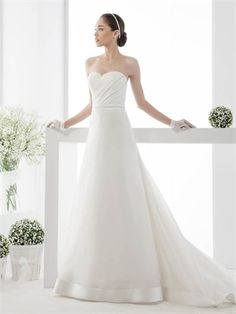 Simple Sweetheart Pleatings Chapel Train Tulle Satin Wedding Dress WD0737