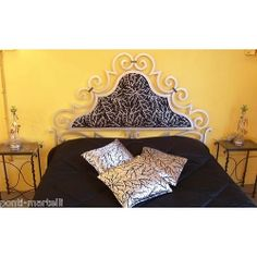 Wrought iron bed. Customize Realizations. 981