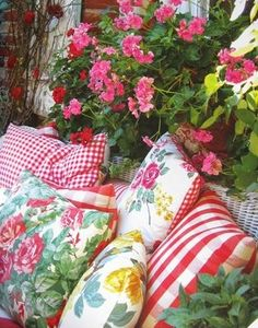 "cottage style prints on pillows - I guess my dream style for my home would be ""Cottage/shabby Chic/Vintage sort of rolled into one! I'd like to do this on my front porch! Cozy Cottage, Cottage Living, Cottage Style, Farm Cottage, Country Living, Deco Boheme, Fru Fru, Do It Yourself Home, Rococo"