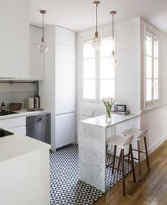 41 Rustic Small Kitchen Remodel Ideas - Page 30 of 41 - Decorating Ideas - Home Decor Ideas and Tips Cute Small Houses, Large Group Meals, Cuisines Design, Eating Plans, Home Kitchens, Kitchen Decor, Kitchen Designs, Kitchen Ideas, Rustic