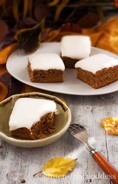 Gluten-Free Pumpkin Bars Recipe with Vegan Cream Cheese Icing #glutenfree #pumpkin