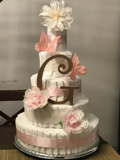 Ideas Baby Girl Shower Ideas Gifts Diaper Cakes For 2019 Baby Girl Shower Themes, Baby Shower Fun, Baby Shower Parties, Baby Shower Gifts, Baby Gifts, Diaper Shower, Baby Shower Diapers, Baby Shower Cakes, Diy Diaper Cake