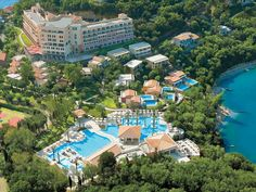 Grecotel Eva Palace Hotel is a 5 star resort offering luxury accommodation in Corfu Island. Plan your dream vacation Today! Luxury Beach Resorts, Best Resorts, Hotels And Resorts, Grecotel Eva Palace, Palace Hotel, Holiday Destinations, Vacation Destinations, Dream Vacations, Summer Vacations