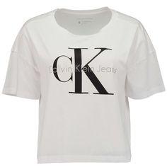 CK CALVIN KLEIN Verkürztes T-Shirt 'Teca' mit Logoprint ► Das T-Shirt TECA von CALVIN KLEIN - CK zeichnet sich durch seine verkürzte, locker geschnittene Passform aus. Mit Rundhalsausschnitt und Logoprint auf der Vorderseite ein modisches Basicpiece, welches sich problemlos in sportive Looks integrieren lässt.