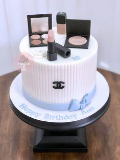 Make Up Cake, Let Them Eat Cake, Chanel Makeup, Custom Cakes, Birthday Cakes, Bakery, Personalized Cakes, Personalised Cake Toppers, Birthday Cake
