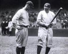 Baseball Hall of Famers Lou Gehrig (l.) and Babe Ruth appear deep in conversation as they stand on the field in the first season the Yankees played at their new stadium in the South Bronx. Yankees Fan, New York Yankees, Babe Ruth, Baseball Players, Baseball Cards, Mlb Players, Lou Gehrig, New York Daily News, Yankee Stadium
