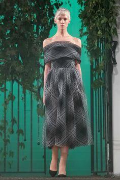 Elenareva Ukraine Spring 2017 Fashion Show Tokyo Fashion, Fashion 2017, Runway Fashion, Fashion News, Fashion Beauty, Fashion Show, Ukraine, Seoul, Ladylike Style