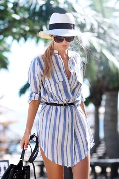 Such a chic summer look, perfect for the streets of Monaco. Summer stripes + sun hat.