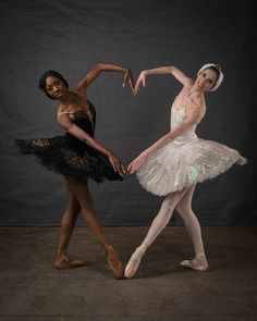 70 Ideas For Dance Photography Poses Ballet Tutus Ballerina Photography, Dance Photography Poses, Dance Poses, White Photography, Tutu Ballet, Ballerina Costume, Ballet Dancers, Music Box Ballerina, Black Ballerina