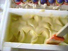 3 Ways to texture soap tops.    Informational Site:  http://petalsbathboutique.com/    SHOP ONLINE:  Etsy Shop  http://www.etsy.com/shop/PetalsBB?ref=si_shop
