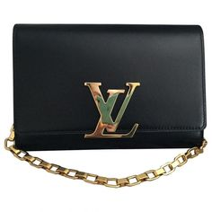 Pre-owned Louis Vuitton Louise Leather Pochette (8.825 RON) ❤ liked on Polyvore featuring bags, handbags, clutches, black, women bags clutch bags, real leather handbags, 100 leather handbags, louis vuitton handbags, louis vuitton purse and louis vuitton pochette