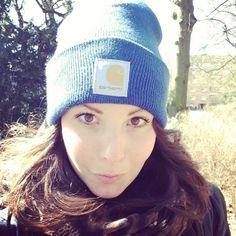 DAILY ESSENTIAL: BLUE CARHARTT WATCH HAT   dressile blog