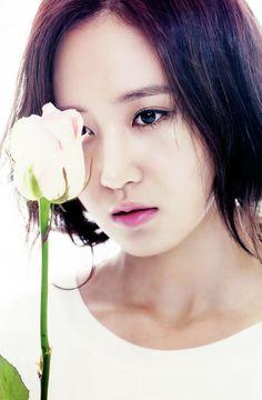 Yuri SNSD Girls' Generation The Star Magazine April 2013