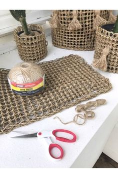 DIY Home Decor, run down the tips one will need to achieve the DIY room decorating. Check out inexpensive home decor diy post number 1539316991 today. Inexpensive Home Decor, Easy Home Decor, Boho Diy, Boho Decor, Sisal, Jute, Diy Home Supplies, Diy Planters, Creative Home