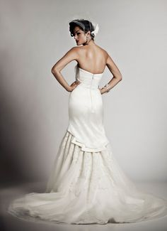 HOURGLASS  - Wedding Gown / 2011 Collection - by Matthew Christopher - Available colours : White & Off White (back)