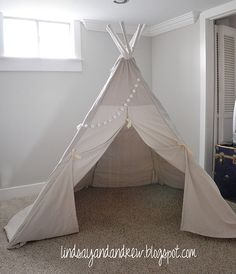 Make a Fun Reading Nook! Here's a free tutorial for this Pottery Barn Inspired Kid's Collapsible Teepee Knock off Decor Knock Off Pottery Barn Diy Tipi, Diy Kids Teepee, Diy Teepee Tent, Pottery Barn Kids, Pottery Barn Inspired, Tutorial Tipi, Tutorial Sewing, Tube Pvc, Ideas Habitaciones