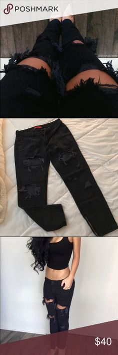 Baggy Distressed Boyfriend Jeans Worn a few times, Purchased from the lovely @itselaine. i'm selling because i have too many jeans already. Don't ask me to trade or you will get blocked. ekAttire Jeans Boyfriend