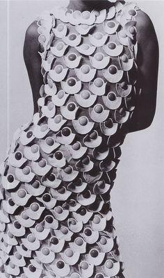Designer : Emanuel Ungaro Textile Designer : Jakob Schlaepfer Photo : Peter Knapp, Stern Magazine, 1967