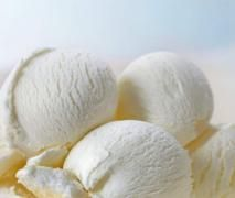 French vanilla ice cream is a classic dessert. Recreate the fabulous flavor of this Ban and Jerry's ice cream at home. Easy Ice Cream Recipe, Making Homemade Ice Cream, Ice Cream Recipes, Ben And Jerry's Vanilla Ice Cream Recipe, Mantecaditos, Thermomix Desserts, Ice Cream Flavors, Ben And Jerrys, French Vanilla