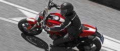 Ducati Monster 1100 Evo, Conjuga conceptos que pueden sonar opuestos como clásica, tecnológica, segura, deportiva, amable y descarada.