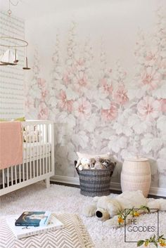 Wallpaper Mural Tricks: How to Choose and Install Nursery Wallpaper, Paper Wallpaper, Nature Wallpaper, Girls Room Wall Decor, Bedroom Decor, Inspiration Wall, Little Girl Rooms, Wall Murals, Big Flowers
