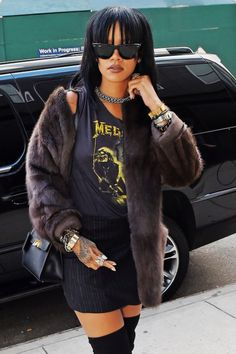 """ Rihanna out in New York (September 21) """