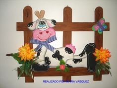 Cow Craft, Diy And Crafts, Arts And Crafts, Cartoon Cow, Cow Pattern, Wood Patterns, Tole Painting, Hot Pads, Plastic Canvas Patterns