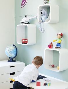 The need for storage is often great in a kids room. I really like IKEA's storage system STOW . Attractive, stylish and flexible. Can be combined in a variety of ways. White is always viable, but there are several colors to choose from. Designers are Ebba Strandmarksvägen.