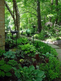 48 Superb Shade Garden Design Ideas - decoomo.com