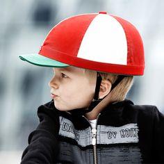 Yakkay Casco First One e copricasco Cambridge per bambini, rosso/bianco | Accessori bicicletta | Giardino/esterni | Finnish Design Shop