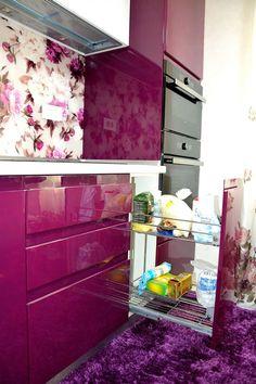 corp-mobilier-accesorizat-cu-jolly-pentru-depozitare-sticle-si-frezare-maner-usi Furniture, Design Inspiration, Kitchen Cabinets, Cabinet, Home Decor, Kitchen, Dresser, Ombre Dresser