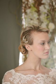 Model Lauren Barber wearing Sareh Nouri 'Clara' gown and Enchanted Atelier Accessories. Photography by Millie B Photography. #sarehnouri #bridalmarket #enchantedatelier
