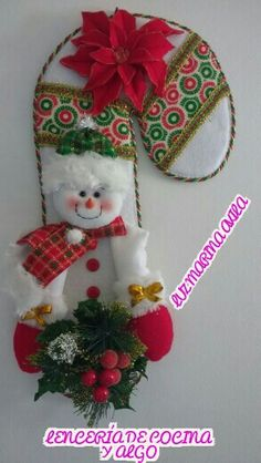 Bastón Navideño Christmas Pictures, Christmas Art, Christmas Stockings, Xmas Ornaments, Christmas Decorations, Holiday Decor, Hand Painted Mugs, Plastic Canvas Christmas, Holidays And Events