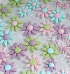 How to make these pretty Fondant Flowers
