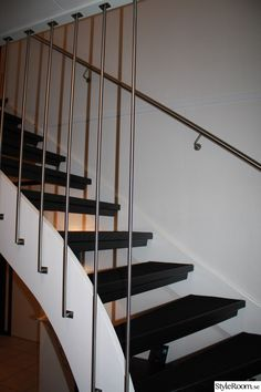 trappa,ledstång,spaljepinnar