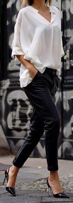 cool 38 Stylish Women White Shirt Ideas With Work Styles  https://fashioomo.com/2018/05/21/38-stylish-women-white-shirt-ideas-with-work-styles/