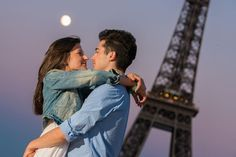 """What Are the Meanings of the French Idiom """"La Lune de Miel""""?"""