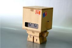 CardBoy Custom by Turuel Cardboard Sculpture, Cardboard Toys, Paper Toys, Wooden Toys, Pop Can Crafts, Fun Crafts, Diy And Crafts, Instruções Origami, Aluminum Can Crafts