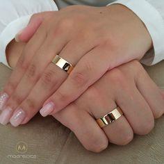 Обручальные кольца Wedding Ring For Him, Gold Wedding Rings, Gold Engagement Rings, Designer Engagement Rings, Wedding Ring Bands, Wedding Jewelry, Gold Rings, Couple Ring Design, Jewelry Rings