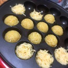 にょんにい's dish photo たこ焼き器でハッシュドポテト調理中  明日の朝ごはん用 | http://snapdish.co #SnapDish #簡単料理 #節約料理 #野菜料理 #保存食/常備菜