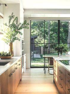 Modern Kitchen Design, Interior Design Kitchen, Top Interior Designers, Neutral Kitchen Designs, Interior Plants, Interior Modern, Home Decor Kitchen, Home Kitchens, Kitchen Ideas