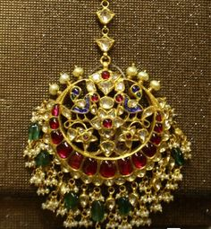 Gold Jewelry In Pakistan Tika Jewelry, Indian Jewelry Earrings, Head Jewelry, Indian Wedding Jewelry, Antique Earrings, Bridal Jewellery, Rajputi Jewellery, Mens Silver Necklace, Silver Ring
