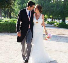 Nuestra novia Ana luce uno de nuestros broches dorado en su gran día!  #Novia #Broche #Boda #Jewelry #Wedding #Bride #Blanco