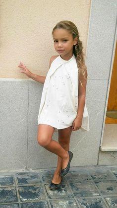 Preteen Girls Fashion, Young Girl Fashion, Kids Outfits Girls, Cute Girl Outfits, Kids Fashion, Cute Little Girl Dresses, Beautiful Little Girls, Cute Dresses, Cute Girls